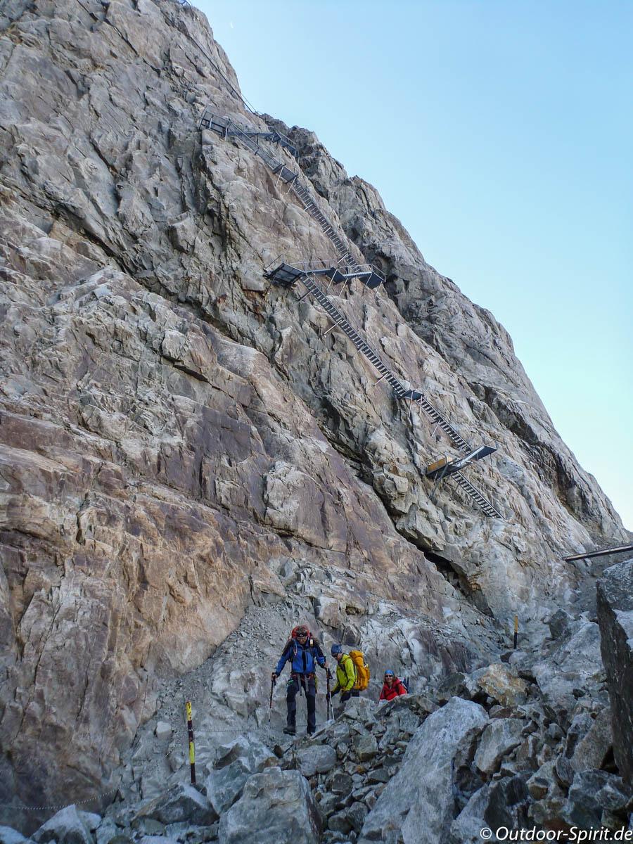 Abstieg von der Konkordiahütte über Leitern (Foto: Burkhard Rose)