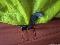 Decke und Laken zusammen geknüppert