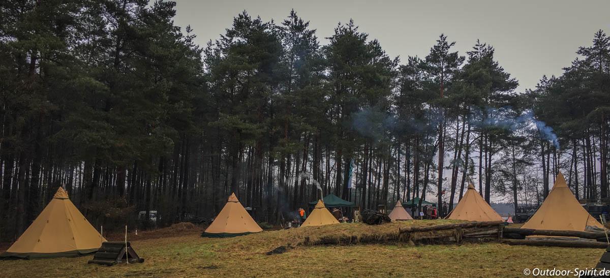 Winter-Tipi-Lager von Absolut-Canoe.de