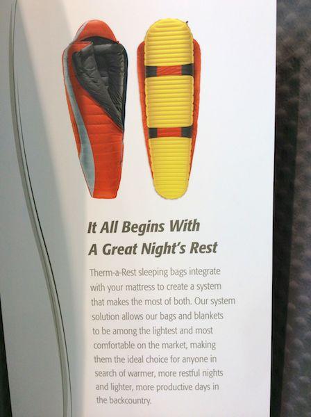 Eine Einheit aus Schlafsack und Isomatte