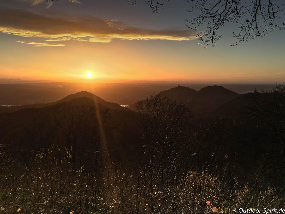 Sonnenuntergang im Siebengebirge.