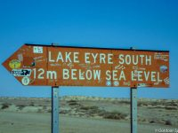 Am Lake Eyre