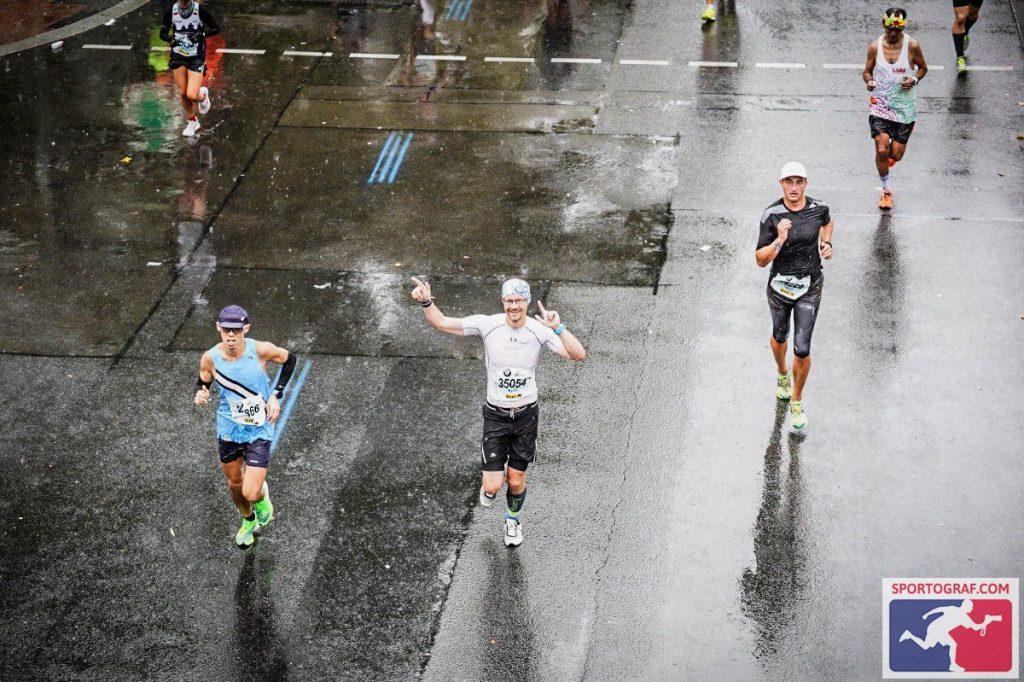 Die Anspannung ist weg... (Foto: Sportograf.com)